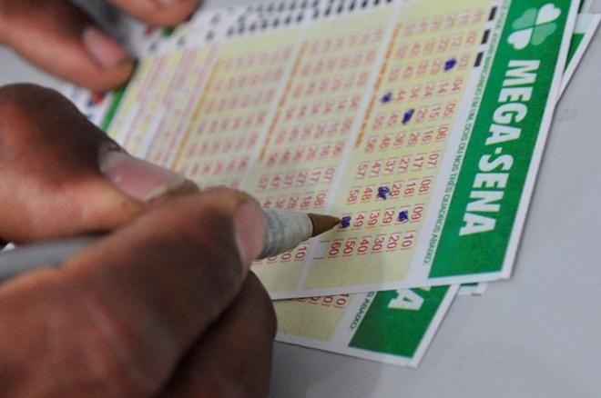 Mega-Sena pode pagar prêmio de R$ 6 milhões nesta quarta