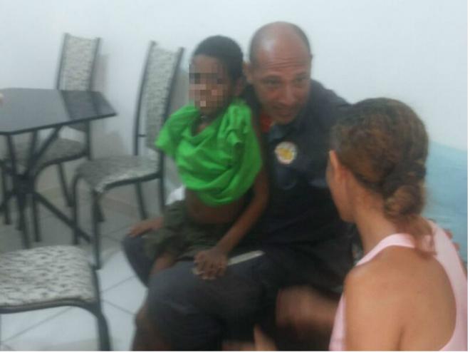 Criança é resgatada por bombeiros após ficar perdida em mata na Bahia