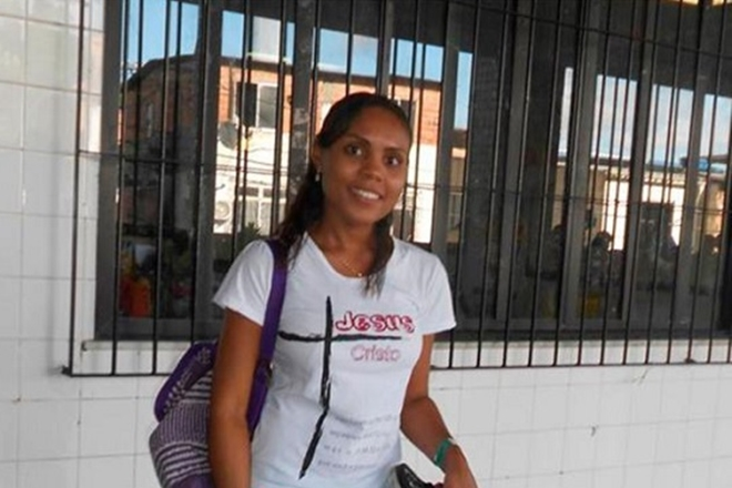 Mulher é morta por bala perdida quando seguia para igreja em Salvador
