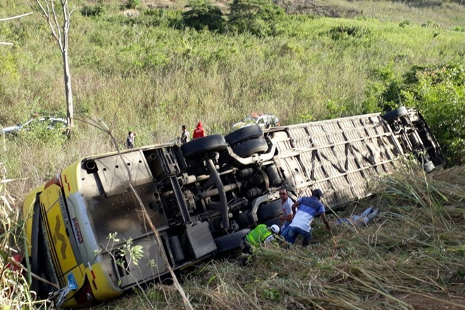 Tragédia: Acidente com ônibus da Itapemirim  deixa 7 mortos