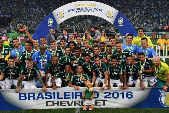 Palmeiras bate a Chape, é campeão brasileiro e acaba com jejum de 22 anos