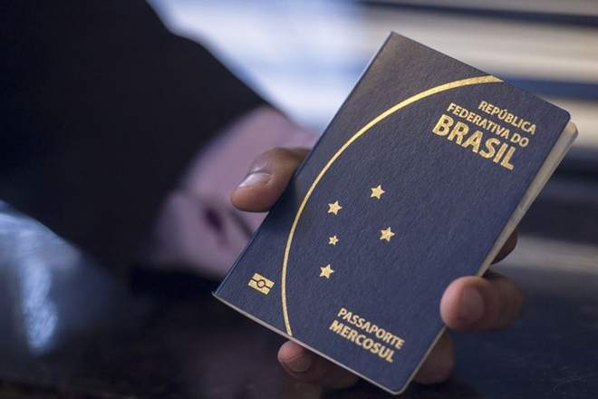 PF diz que ainda não há prazo para normalizar emissão de passaportes na Bahia