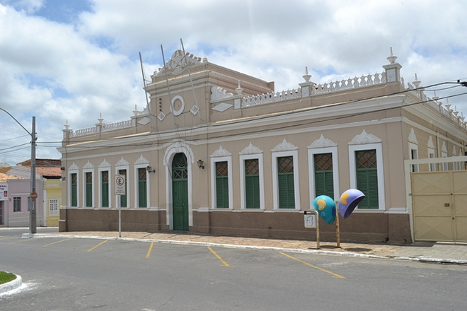 Servidores e professores municipais entram em greve em Vitória da Conquista
