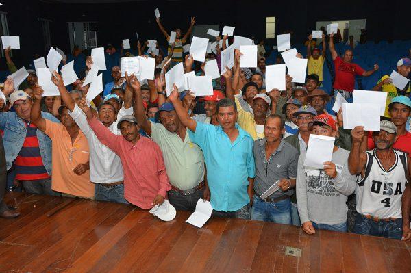 Conquista: carroceiros concluem curso de capacitação e recebem certificados