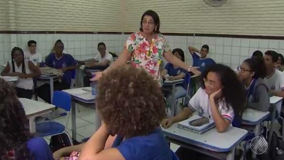 Temendo a reforma, 4 mil professores da Bahia solicitam aposentadoria
