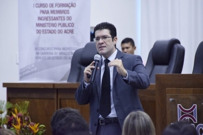 Promotor de Justiça faz alerta sobre casos de Baleia Azul e aponta recomendações