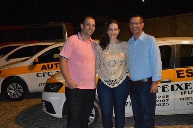 Auto Escola Teixeira comemora quatro anos de sucesso