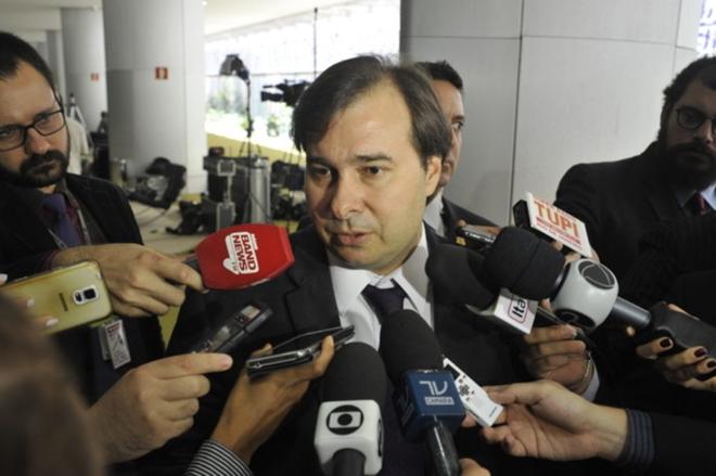 Presidente da Câmara, Rodrigo Maia admite adiar votação da reforma da Previdência