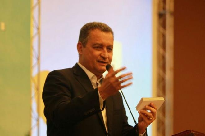 Rui se reúne com prefeitos e garante mais R$ 70 milhões para agricultura familiar