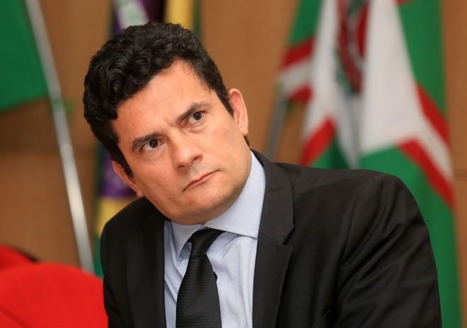 Moro veta parte de perguntas da defesa de Cunha para Temer