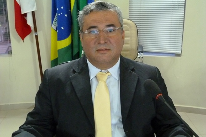 Livramento: Vereador diz não se convencer pela Embasa sobre a qualidade da água