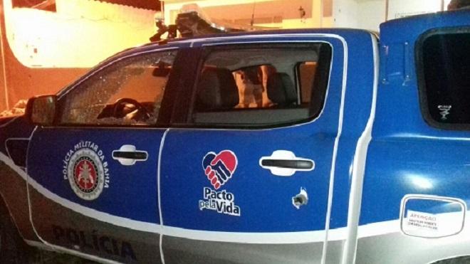 Grupo explode bancos, atira contra PM e leva reféns após ataque em Remanso