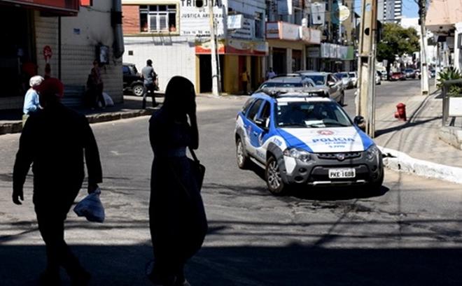 Estudante de 17 anos é raptada e estuprada em Conquista