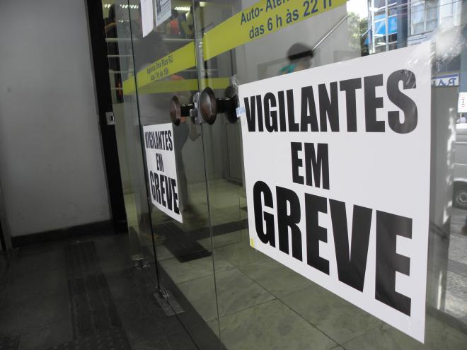 Greve dos vigilantes continua na Bahia após rodada de negociação